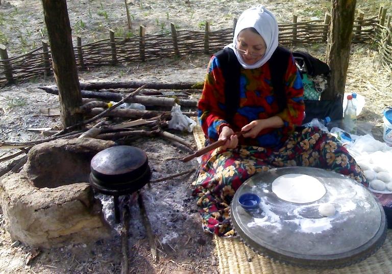 نان برنجی پز در موزه میراث روستایی